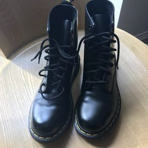 Dr Martens SZ 7 Black Boots